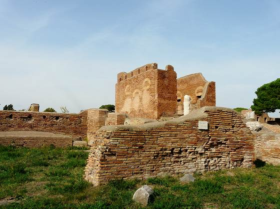 493 Capitolium e Curia(CVRIA).jpg