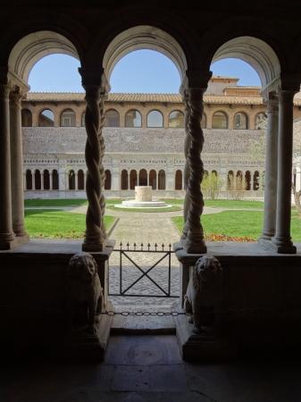 686  San Giovanni in Laterano - Chiostro.jpg