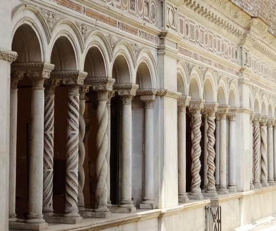 695  San Giovanni in Laterano - Chiostro - コピー.jpg