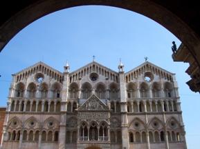 Ferrara1duomosmall.jpg