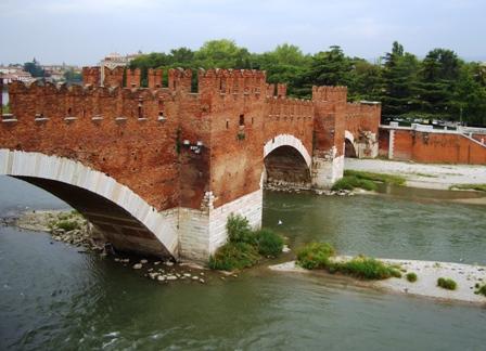 Verona21PonteScaligero448.jpg