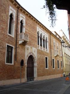 Vicenza23Palazzo Porto Colleonismall.jpg