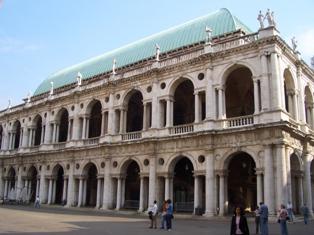 Vicenza35BasilicaPalladianasmall.jpg
